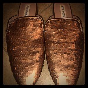 Steve Madden Rose Gold & Silver Reversible Loafers